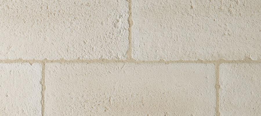Pierre de parement brecy l g rement vieillie orsol for Joint pour pierre de parement